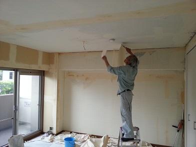 名古屋市昭和区AG様邸 マンションリフォーム Part3 – クロス工事