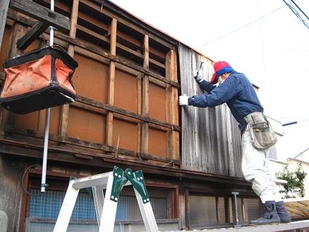 名古屋市昭和区KI様邸 外壁修理 – 木製外壁張り替え