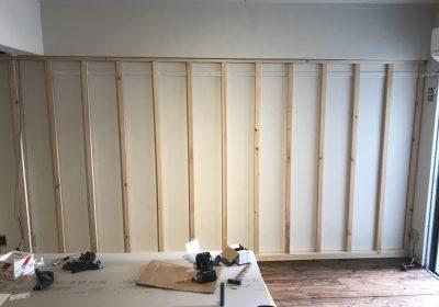 賃貸物件で壁造作+クロス張り/
