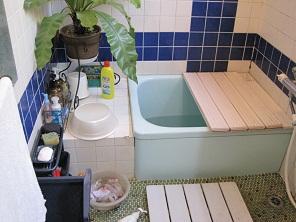 名古屋市 NM様邸 浴槽取替リフォーム Part1 – 浴槽外す