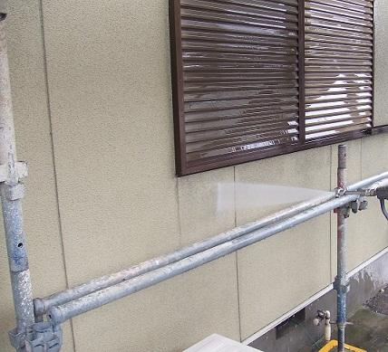 名古屋市昭和区A様邸 外壁塗装・屋根漆喰修理Part1 – 高圧洗浄