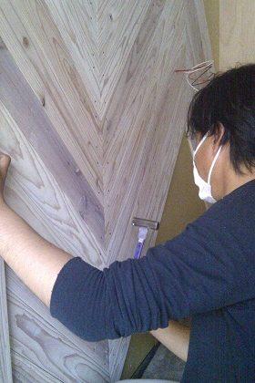 名古屋市北区IT様邸 玄関リフォームPart4 – 杉板の加工
