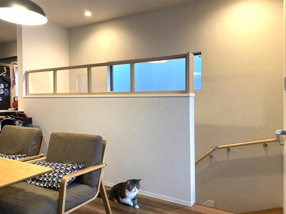 名古屋市守山区 階段腰壁からの猫転落防止柵造作